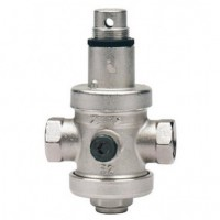 Pressure reducing valve with pressure gauge