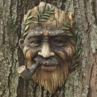 Tree Face 1, man met pijp